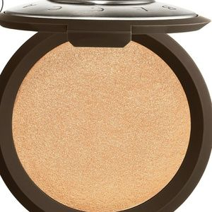 BECCA 🍾CHAMPAGNE POP HIGHLIGHTER 🍾 BEST SELLING!
